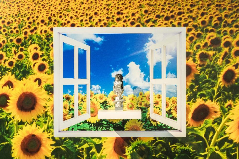 창문그림액자 B타입-따사로운 햇빛 아래 해바라기와 마우스 WindowPictureFrame Type B—Sunflowers with Sunshine and a Mouse